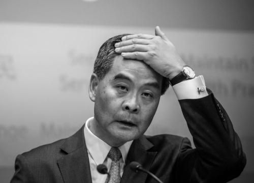阻击候任议员宣誓 梁振英逼迫习近平?(图)