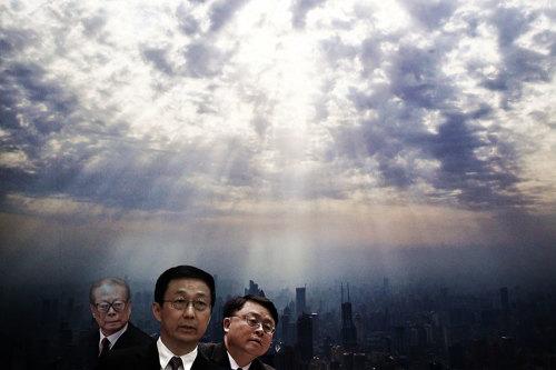 【中原观察】阴霾看破人事变 好戏在上海(图)