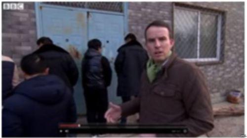 "BBC驻华记者采访独立参选人遭警察""袭击""(组图)"