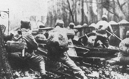 1932年1月,以广西士兵为主的粤系十九路军在上海与日军血战33天,日军4易指挥官,我方阵地依然巍然不动。