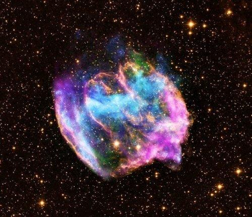 科学家发现最年轻黑洞 形成仅1千年(图)