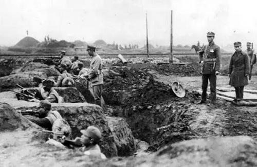 1932年,蔡廷锴指挥以广西士兵为主的粤系第19路军,在上海血战日寇,使日军四易指挥官。