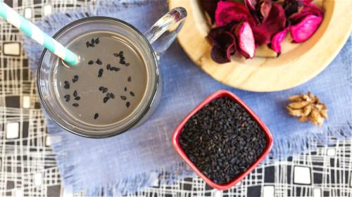 黑芝麻营养丰富,更是补钙佳品。