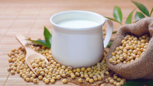 豆浆煮饭,增加了优质蛋白,能防治多种疾病。