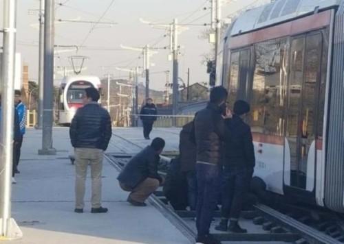 運營3天北京有軌電車疑似脫軌組圖 看中國網app版
