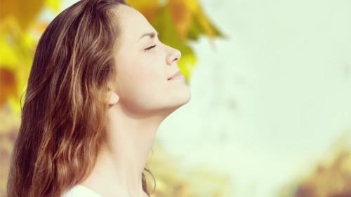 深呼吸可排除肺脏毒素。