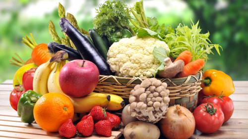 冬季保肝护肝多吃些水果和蔬菜,切忌过油、过辣等刺激性的食物。
