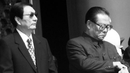江泽民在事件中的4条毒计让人瞠目结舌。