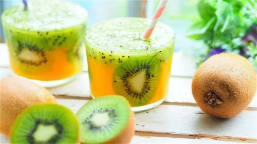 平时可适量进食猕猴桃等富含维生素C的水果。