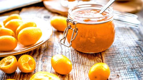 金橘加工方法,不但美味而且对感冒咳嗽有很好的缓解功效。