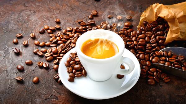 咖啡常被认为对睡眠的影响很大。