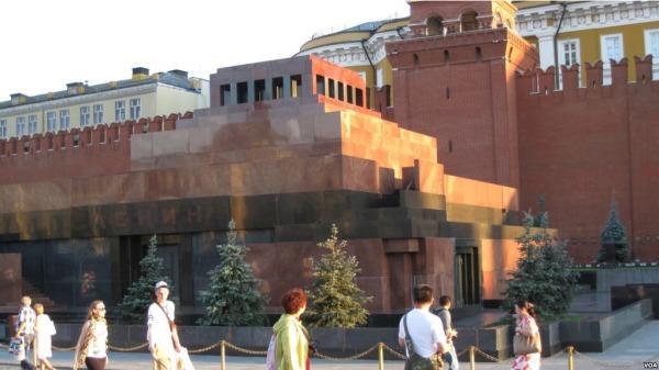 中国共产党偶像遭殃 莫斯科列宁墓被泼油(图)
