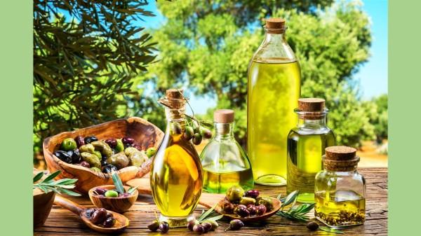 专家也建议,选择特级纯橄榄油、天然萃取无加工,才能获得最大的健康效果。
