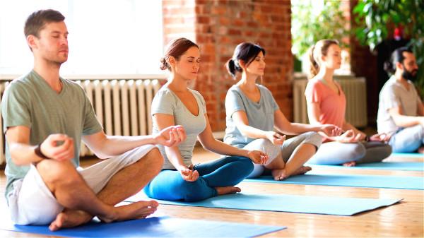 学习放松,学冥想,运动导引对增强免疫自愈力是绝对有帮助的。