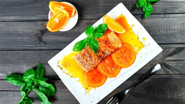 适当摄入健康的脂肪有助于护脑。