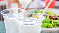 """生意兴隆的餐厅倒闭只因为""""一杯水""""(图)"""