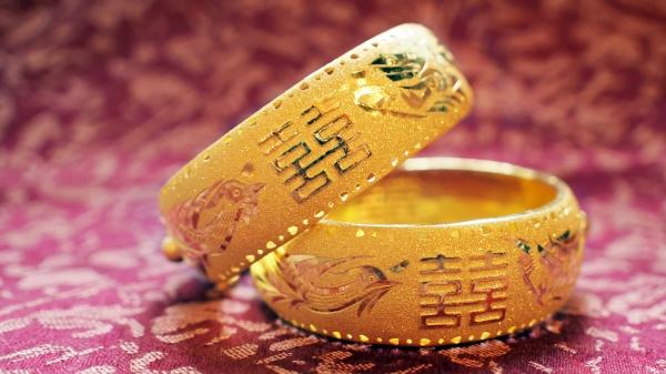 """俗话说,""""娶妻娶德不娶色""""。"""