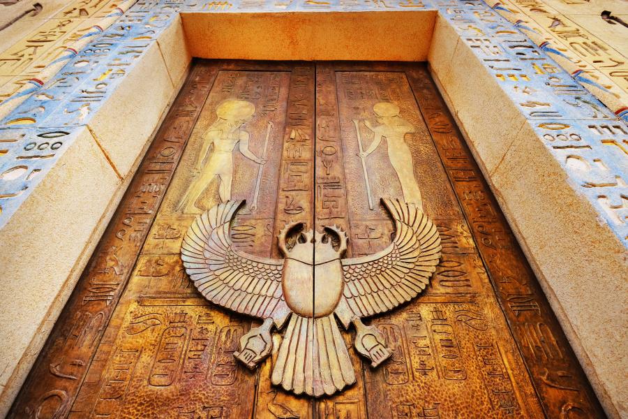 古埃及和古代的中国都有门锁,因为他们需要这种装置。