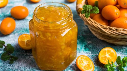 金橘果酱可以缓解喉咙痛的症状。