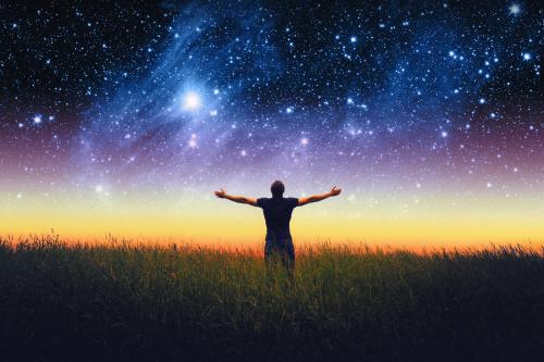 人生最大的挑战在于发现你是谁;而第二大的挑战就是乐于接受你所发现的东西。