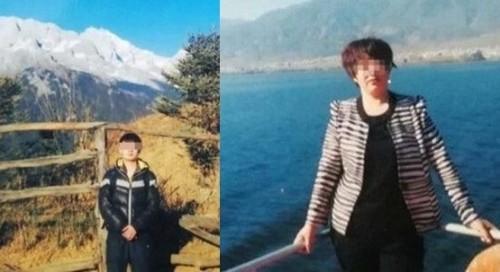 于欢(左)和母亲苏银霞(右)