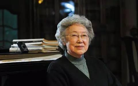 資中筠,中國社會科學院美國研究所所長,《美國研究》雜誌主編國際政治及美國研究專家,資深學者,社科學院博士生導師。