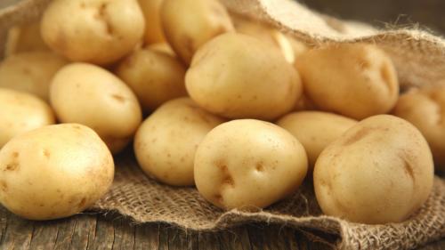 一颗马铃薯就有610毫克的钾。