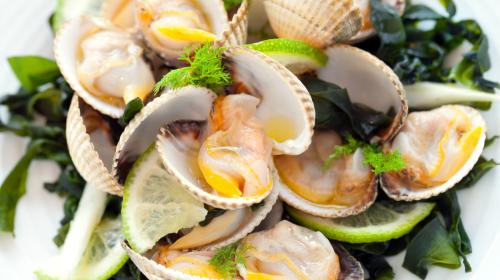 3盎司的蛤蜊含有534毫克的钾。