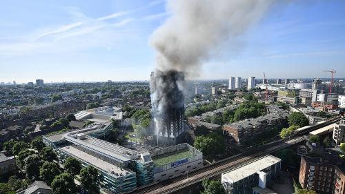英国格伦费尔大厦(Grenfell Tower)今年6月曾发生火灾