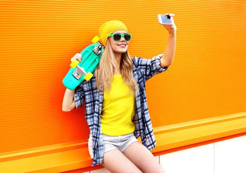 喜欢黄色的你,性格阳光,自信洒脱,往往是人群中的焦点。