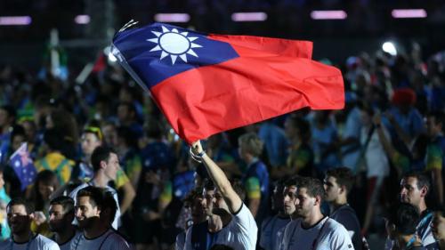 去年的台北世大�\上,阿根廷选手挥舞青天白日旗力挺台�场�