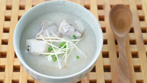 虱目鱼最大的特色就是肉鲜而刺多。