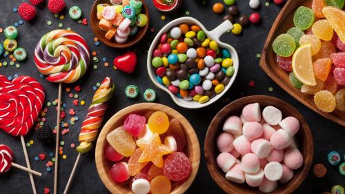 糖吃多了容易患上脂肪肝,因此是绝对禁止吃的。