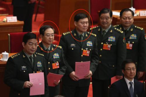 房峰輝(左二)、張陽(中)
