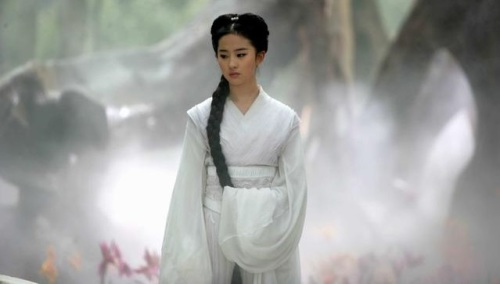 """这么多饰演""""小龙女""""的女演员当中,只有刘亦菲被金庸本人""""钦点""""过。"""