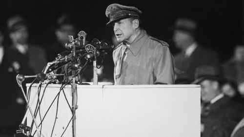 1951年4月19日,麥克阿瑟在國會發表了一場震撼人心的演說。