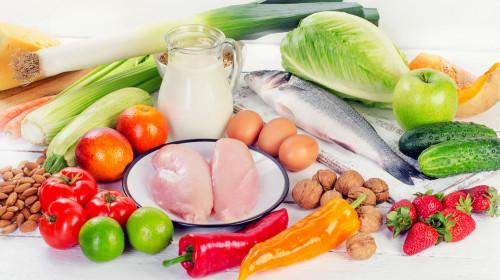 糖尿病患者饮食的关键是选择健康的食物,适度饮食。