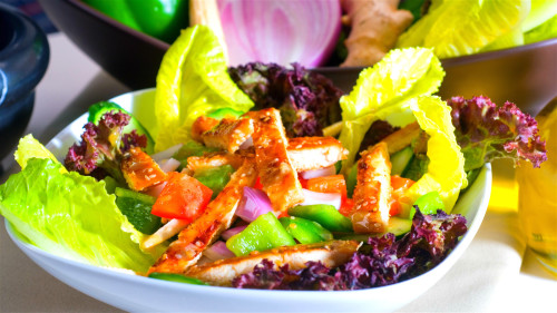 不爱吃菜爱吃肉,可能使肠癌的患病风险增加。