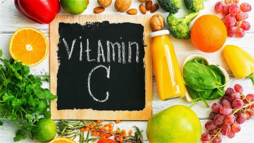补足维生素C,可以帮助我们远离癌症。
