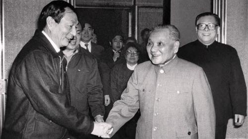 """邓指着朱镕基说""""7个字"""" 打翻江的醋坛子"""