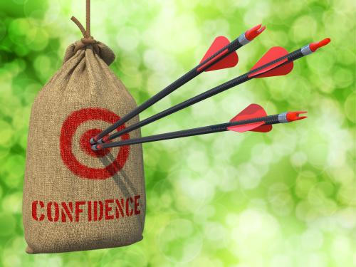 表�F自信,人��就��相信你。
