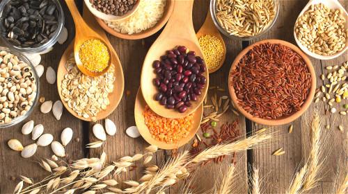 五谷是有生命力的种子,而种子有延续生命的能力,能让人健康长寿。