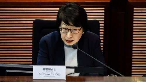 中��富豪郭文�F表示,�啥日��o的港律政司�L�若�在英��期�g本是��Q不回香港,可是後�怼副唤�架回京」。郭文�F��f,�若�已�完了,而�@就是�c中共合作的下�觥�