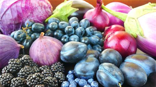 紫色食物含花青素,是纯天然的抗衰老营养补充剂。