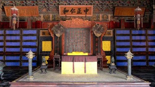 养心殿前殿明间内景。(图片来源:Gisling/维基百科)养心殿前殿明间内景。