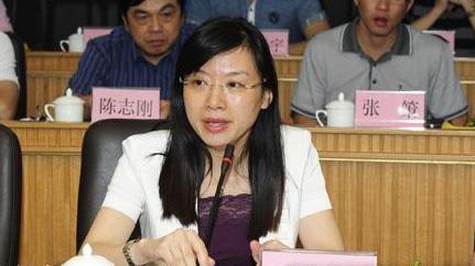 ����落�R的女性公安局副局�L姚喜蓉。