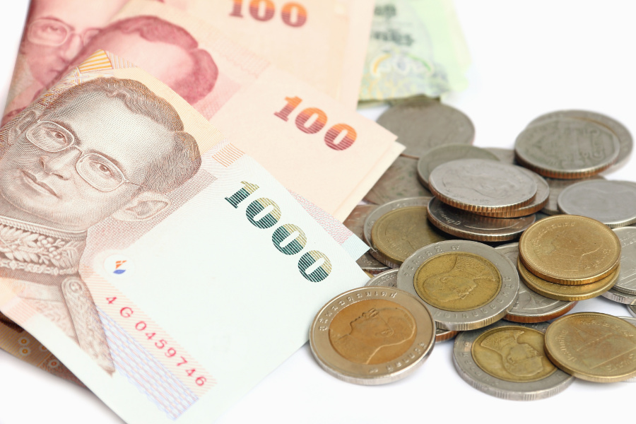泰国:不可以踩踏钱币。