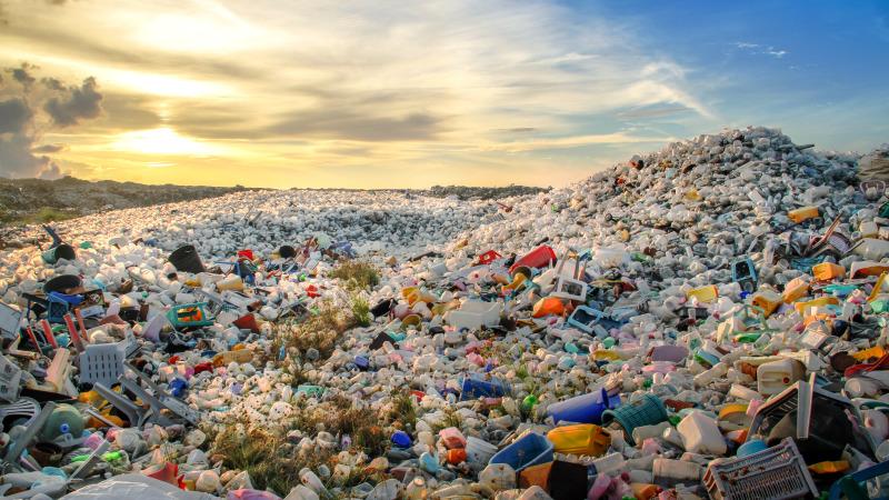 人類為了方便而製造出非常大量、且無法自然分解的垃圾。