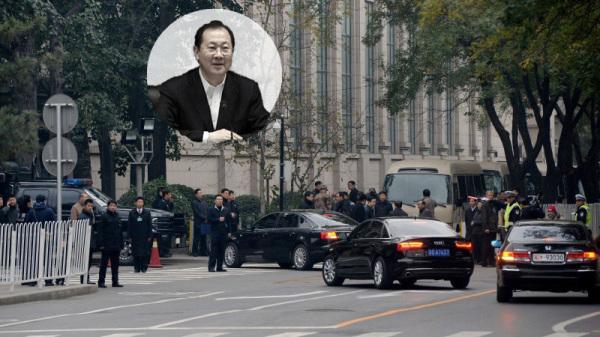 流傳最廣的說法是,任學鋒於四中全會期間,在京西賓館7樓墜樓身亡。