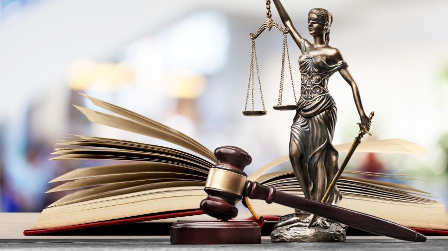 英国史上最长时间陪审团,其中还有人需要心理辅导,因为,陪审的时间太长。